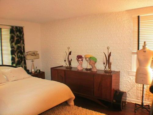 Picture courtsey Mary-Lee; Fantastic dreamwall Rustic brick installation in the USA