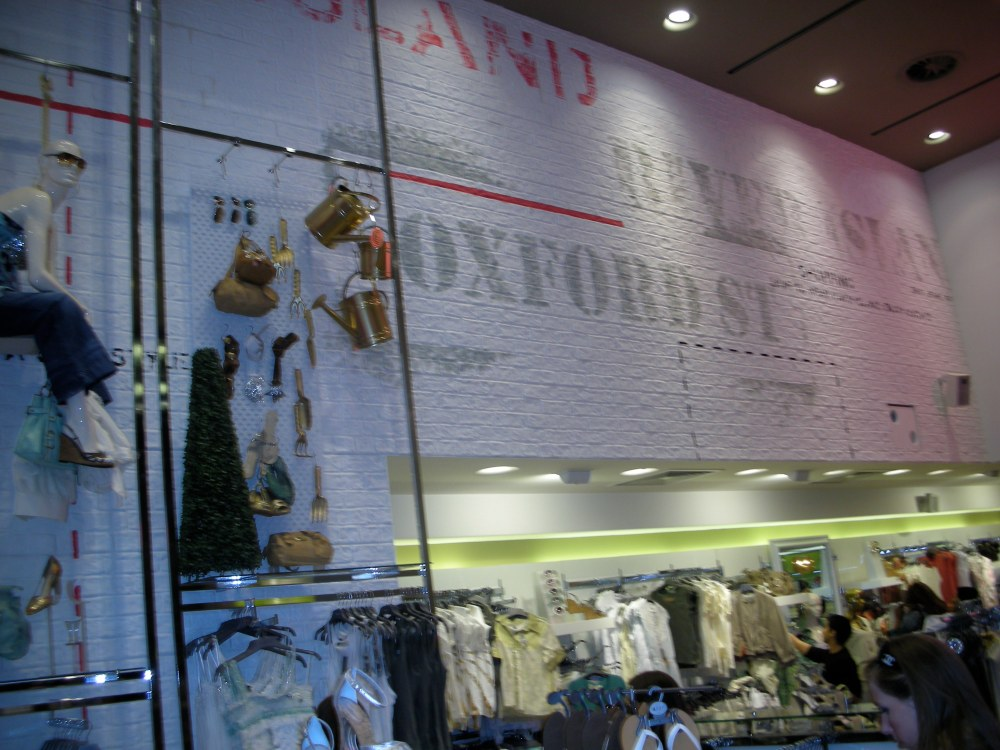 Dreamwall's Rustic Brick installation in River Island Oxford Street