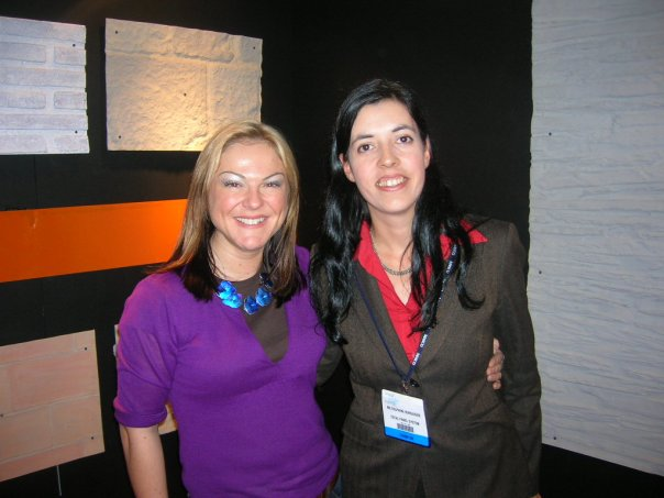 Dreamwall's Hannah Coleman (Left) with Delphine setting up the spanish partnership