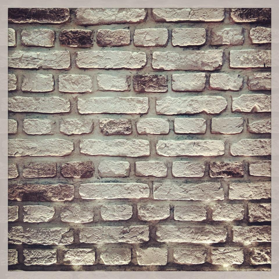 White Faux Brick: Dreamwall Wallcoverings With A